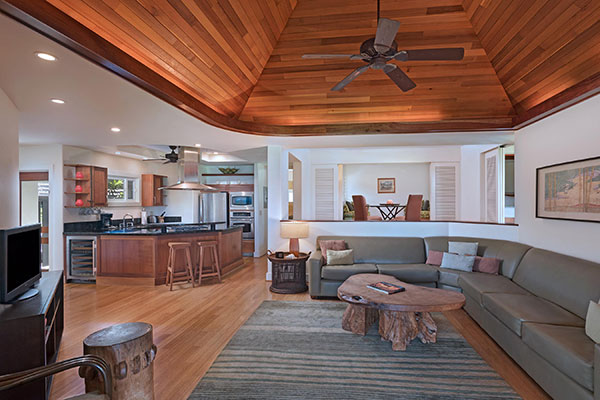Maui luxury resort suites